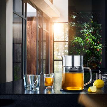 TEA-JANE Teezubereiter mit absenkbarer Vorbrüheinheit